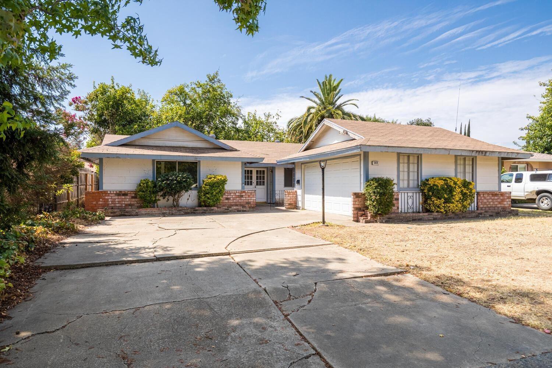 Photo of 5825 Merlindale Drive, Citrus Heights, CA 95610 (MLS # 221115635)