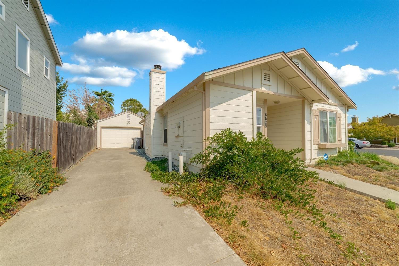 Photo of 6625 Springcrest Court, Elk Grove, CA 95758 (MLS # 20056636)