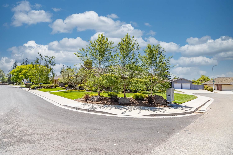 Photo of 6625 Cipponeri Road, Riverbank, CA 95367 (MLS # 221049652)