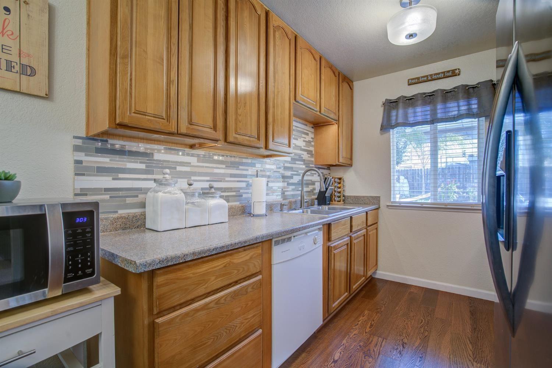 Photo of 287 Lisawood Drive, Folsom, CA 95630 (MLS # 221012653)