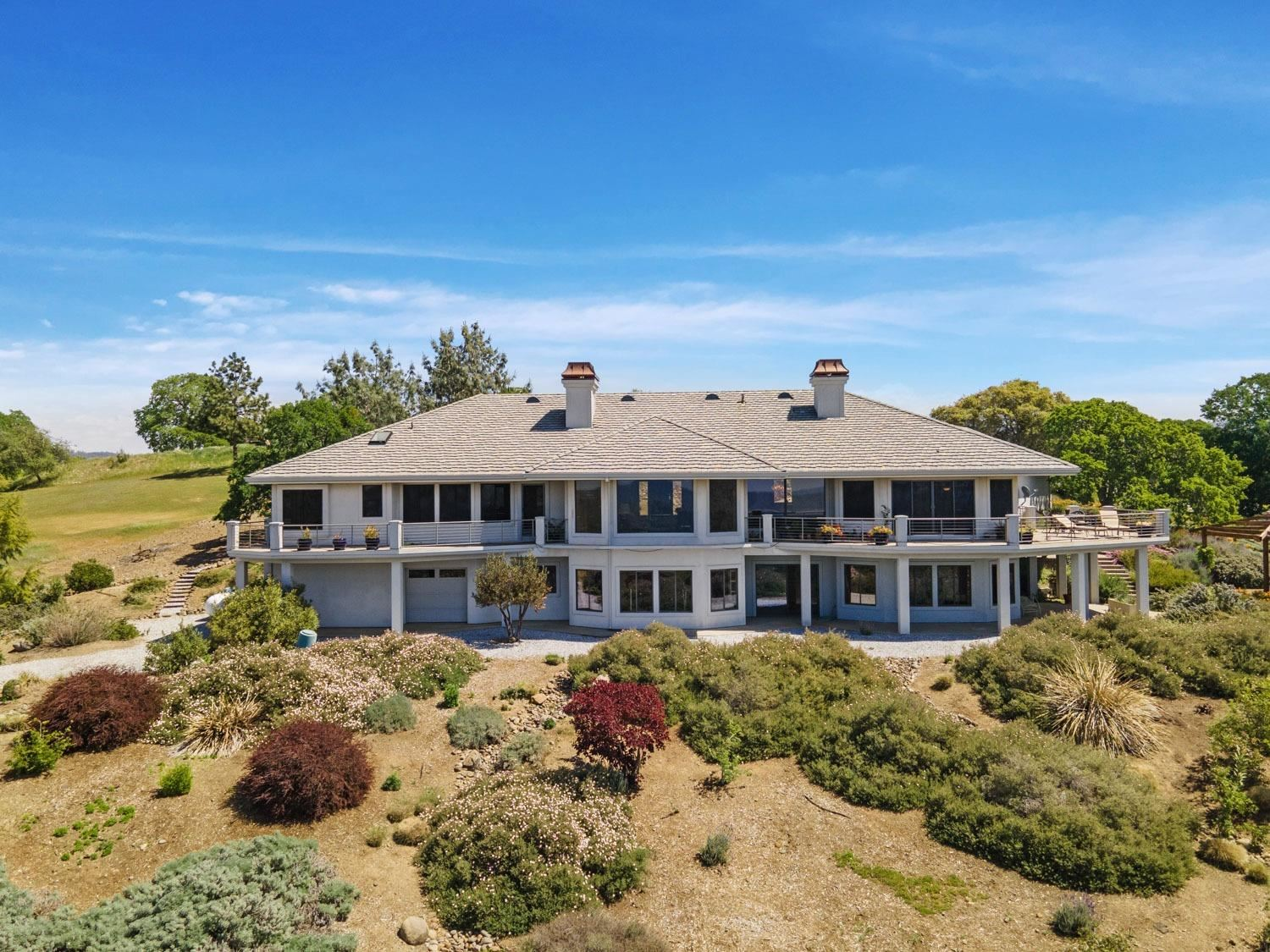 Photo of 22416 Lakeview Heights, Sonora, CA 95370 (MLS # 221036663)