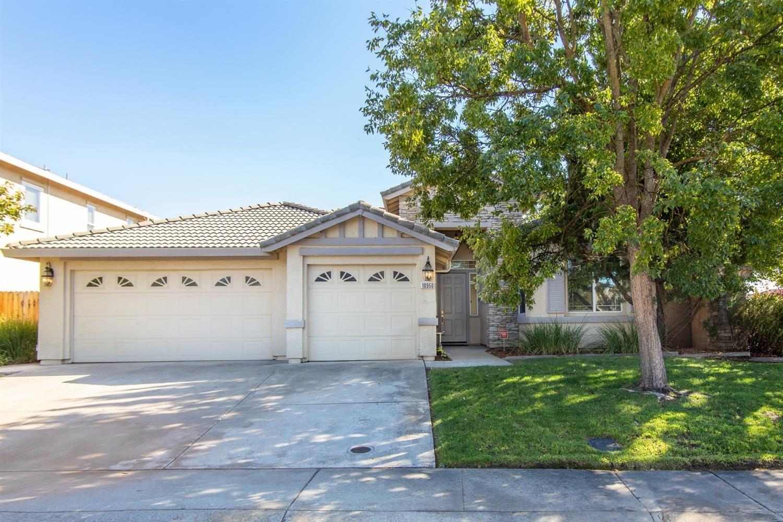 Photo of 10960 Bianco Way, Rancho Cordova, CA 95670 (MLS # 221131664)