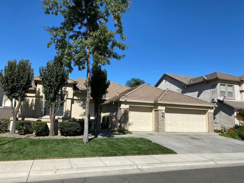 Photo of 2413 Maybrook Drive, Sacramento, CA 95835 (MLS # 221125672)