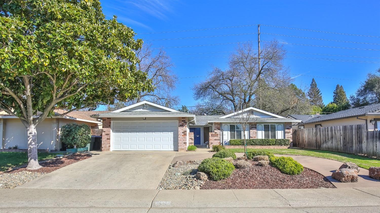 Photo of 5044 Waterbury, Fair Oaks, CA 95628 (MLS # 221009675)