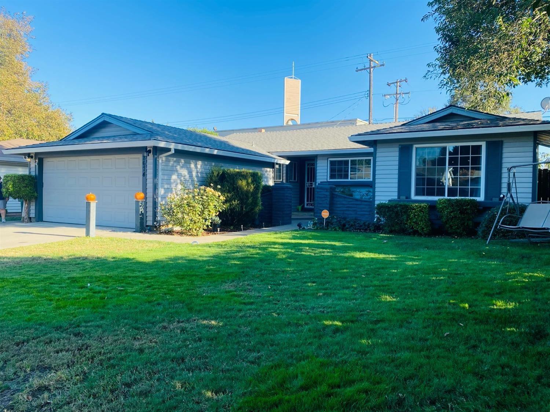 Photo of 8674 Everglade Drive, Sacramento, CA 95826 (MLS # 20063678)
