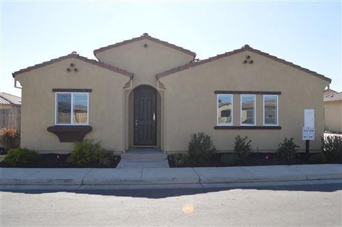 Photo of 827 Fritz Drive, Los Banos, CA 93635 (MLS # 221011689)