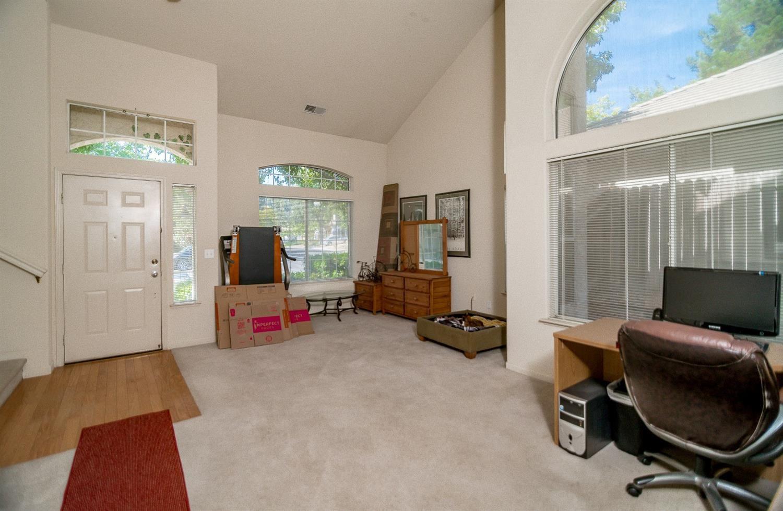 Photo of 116 Larkin Circle, Folsom, CA 95630 (MLS # 221114690)