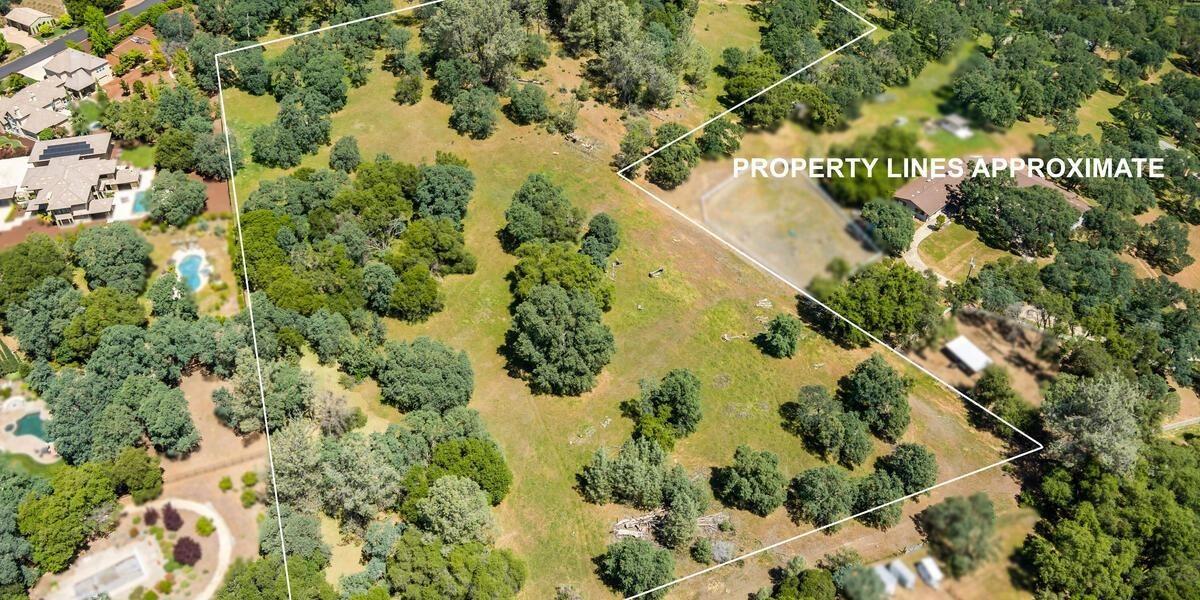 Photo of 1301 Lomita Court, El Dorado Hills, CA 95726 (MLS # 221049707)