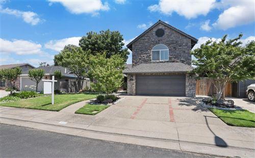 Photo of 300 Evergreen Drive, Lodi, CA 95242 (MLS # 20030711)