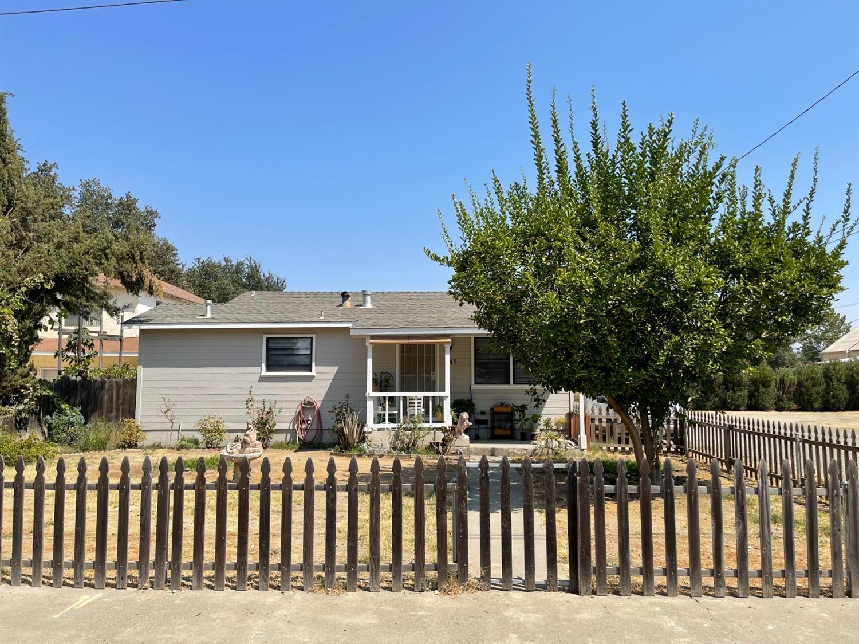945 6th Street, Woodland, CA 95695 - MLS#: 221098714