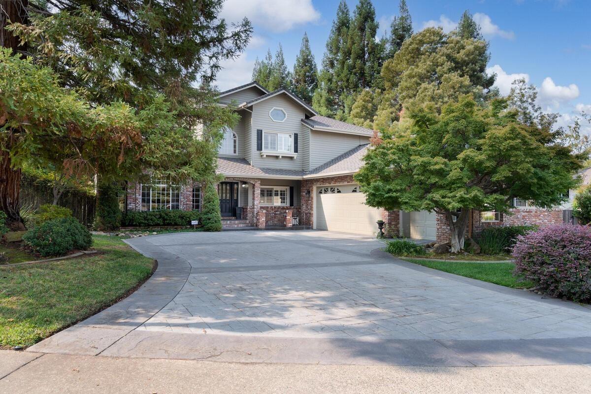 Photo of 105 Trefton Court, Folsom, CA 95630 (MLS # 221113715)