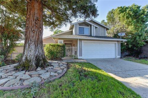 Photo of 8107 Darien Circle, Sacramento, CA 95828 (MLS # 221119718)