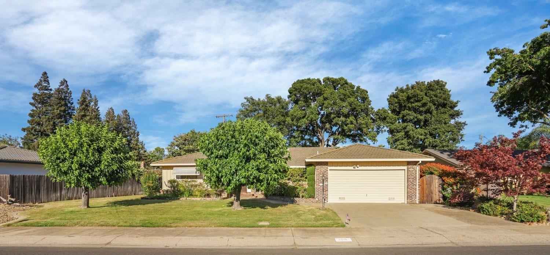 Photo of 1416 Midvale Road, Lodi, CA 95240 (MLS # 221068721)