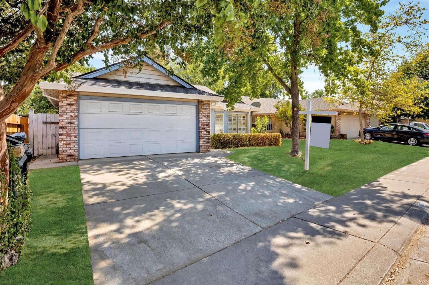 Photo of 8118 Castle Wynd Drive, Antelope, CA 95843 (MLS # 221103722)