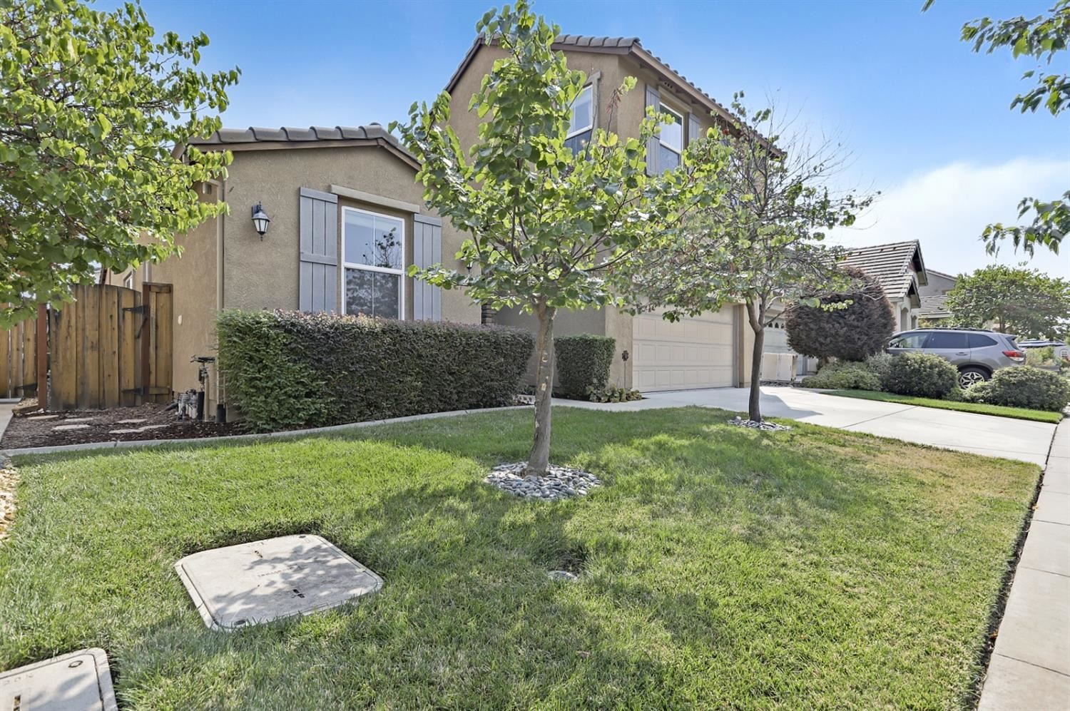 Photo of 2285 Eastwood Drive, Roseville, CA 95747 (MLS # 221116735)