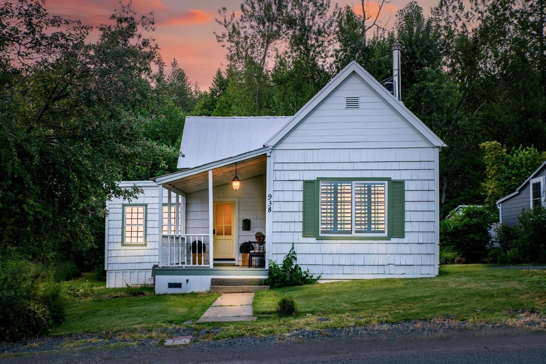 Photo of 938 Sacramento Street, Dutch Flat, CA 95714 (MLS # 221069738)