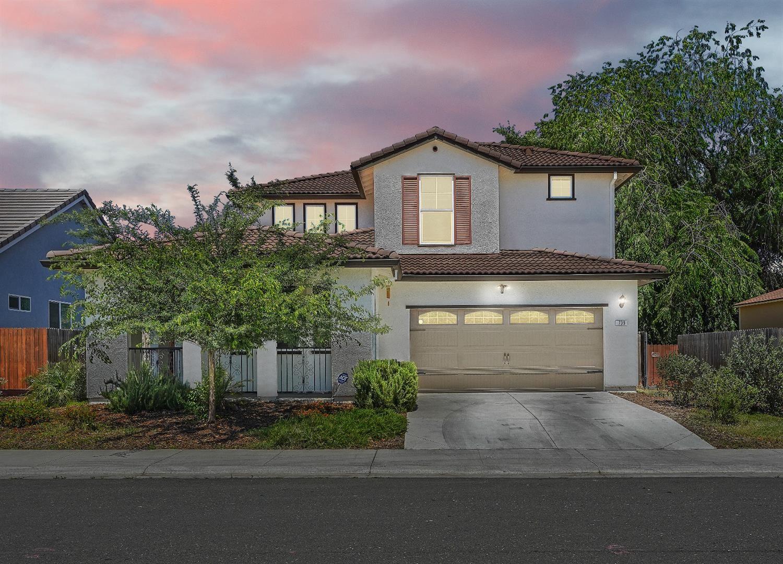 739 Johnnie Morris Avenue, Sacramento, CA 95838 - MLS#: 221047743