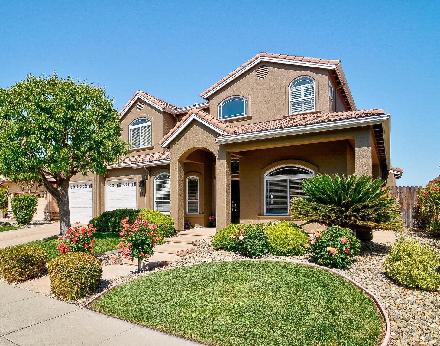 Photo of 2729 Rockwell Drive, Davis, CA 95618 (MLS # 221035757)