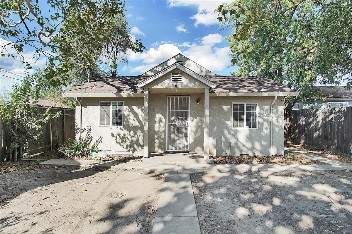 Photo of 4113 15th Avenue, Sacramento, CA 95820 (MLS # 20063765)