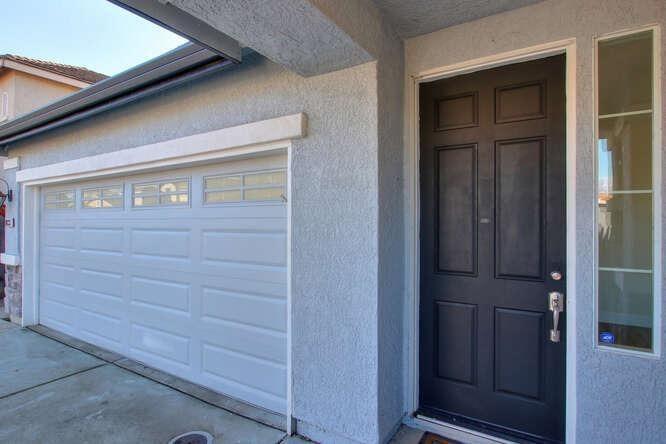 Photo of 8033 Horncastle Avenue, Roseville, CA 95747 (MLS # 221009771)