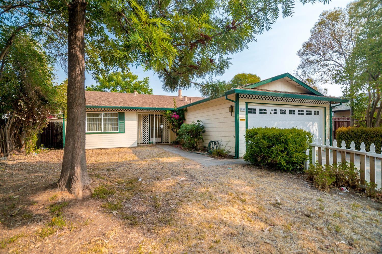 Photo of 241 Graves Avenue, Sacramento, CA 95838 (MLS # 221114792)