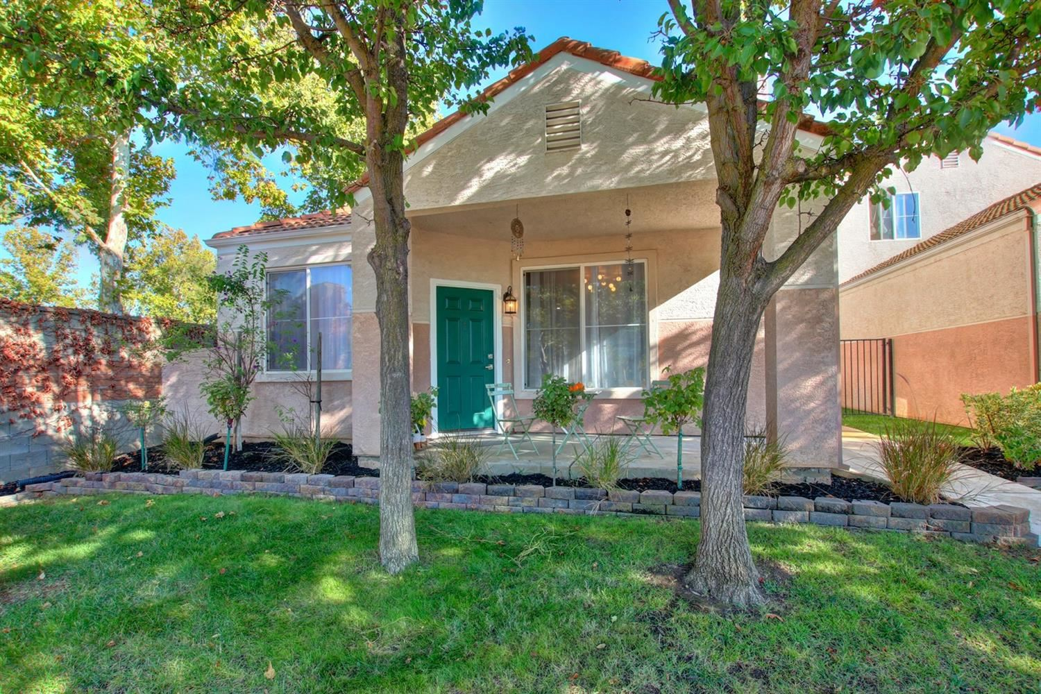 Photo of 9105 Haussman Street, Elk Grove, CA 95758 (MLS # 20063797)