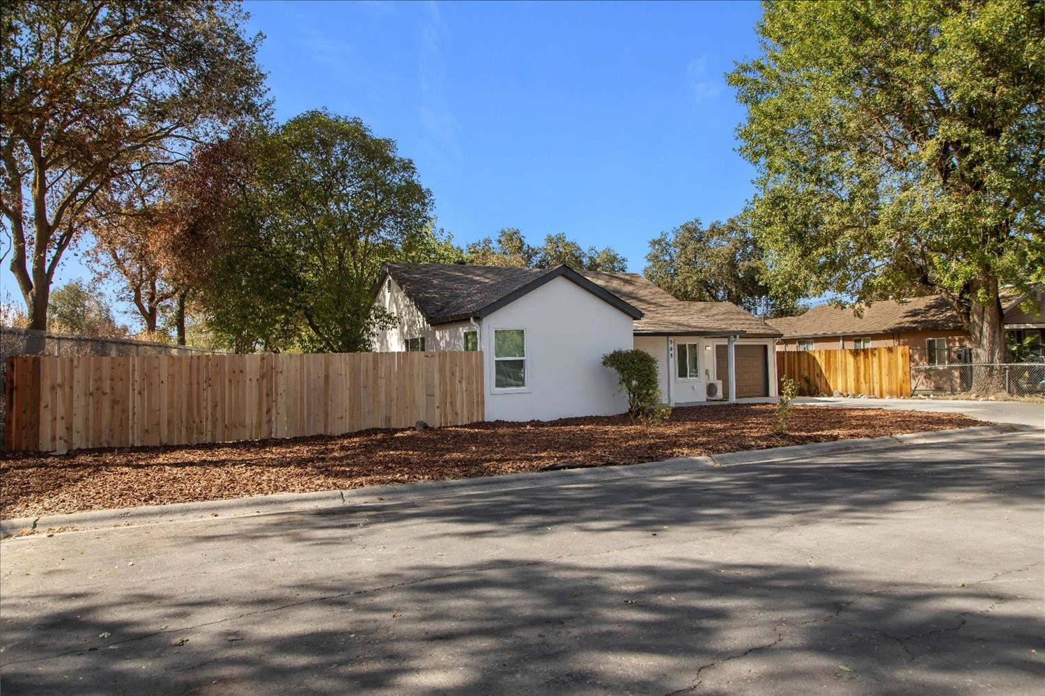 Photo of 948 Yolo Street, West Sacramento, CA 95605 (MLS # 20062801)