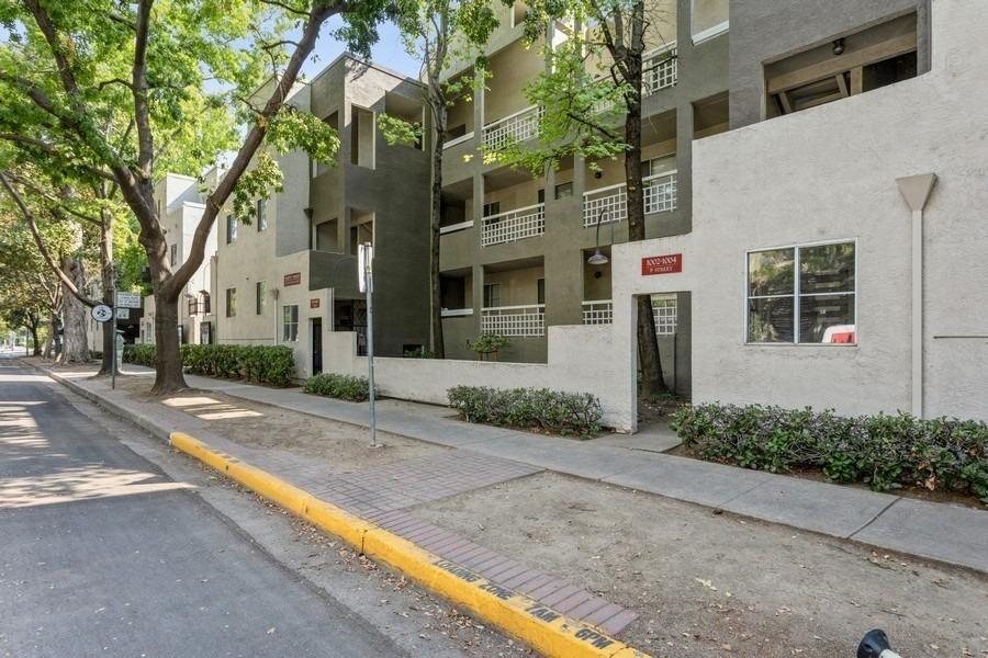 Photo of 1002 P Street #2, Sacramento, CA 95814 (MLS # 221117802)