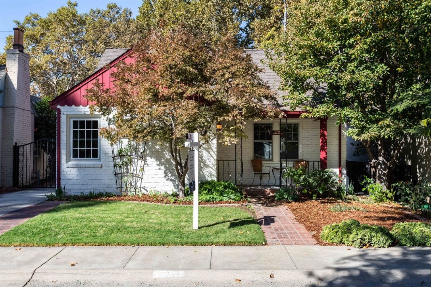 Photo of 2724 Harkness Street, Sacramento, CA 95818 (MLS # 20063803)