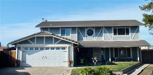 Photo of 9853 Sleepy Hollow Court, Stockton, CA 95209 (MLS # 221011808)