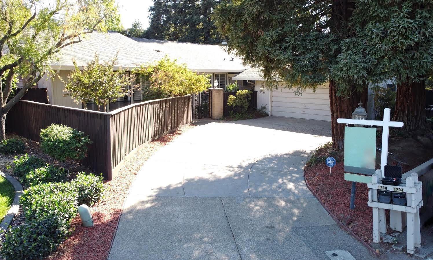 Photo of 1208 Genesee Court, Carmichael, CA 95608 (MLS # 20053809)
