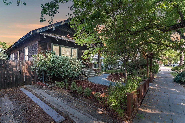 Photo of 2206 24th Street, Sacramento, CA 95818 (MLS # 221117814)