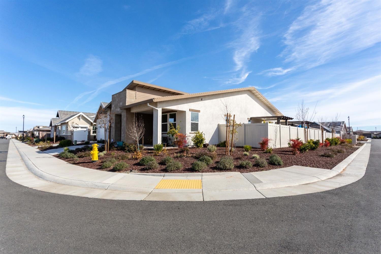 Photo of 3000 Dusk Lane, Roseville, CA 95747 (MLS # 221012818)