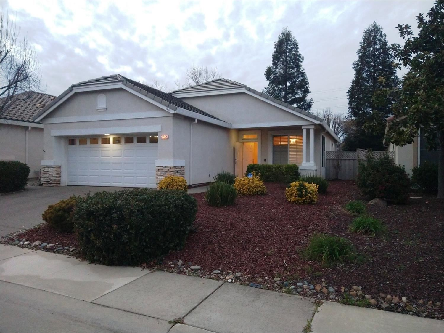 Photo of 7264 Stagecoach Circle, Roseville, CA 95747 (MLS # 221008823)