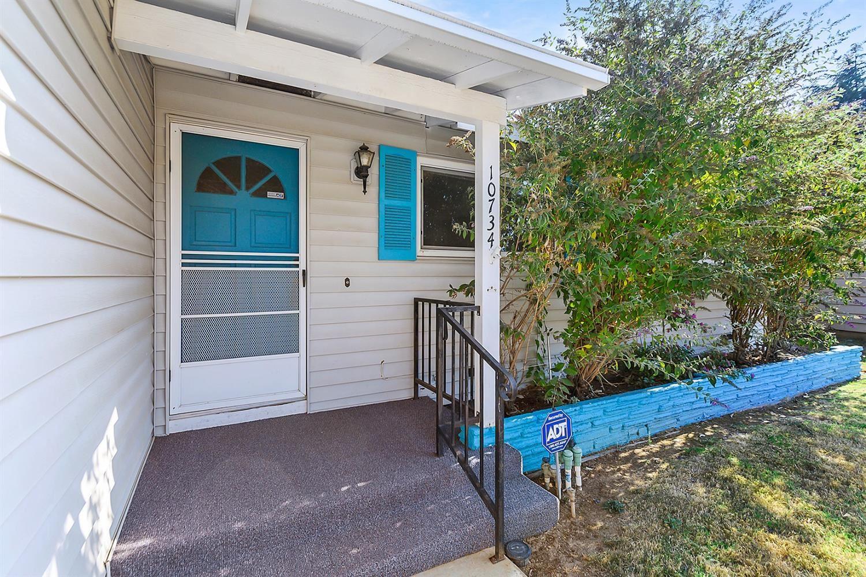 Photo of 10734 Segovia Way, Rancho Cordova, CA 95670 (MLS # 221116824)