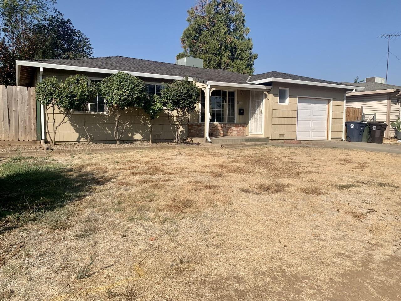 Photo of 2700 Ribier Way, Rancho Cordova, CA 95670 (MLS # 221110828)