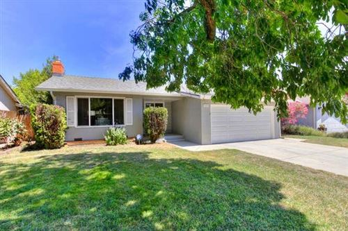 Photo of 5311 7th Avenue, Sacramento, CA 95820 (MLS # 221068838)