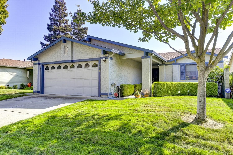 Photo of 7508 Sunfield Lane, Sacramento, CA 95828 (MLS # 20063839)