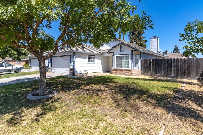 Photo of 1275 Payne Way, Turlock, CA 95380 (MLS # 221088858)