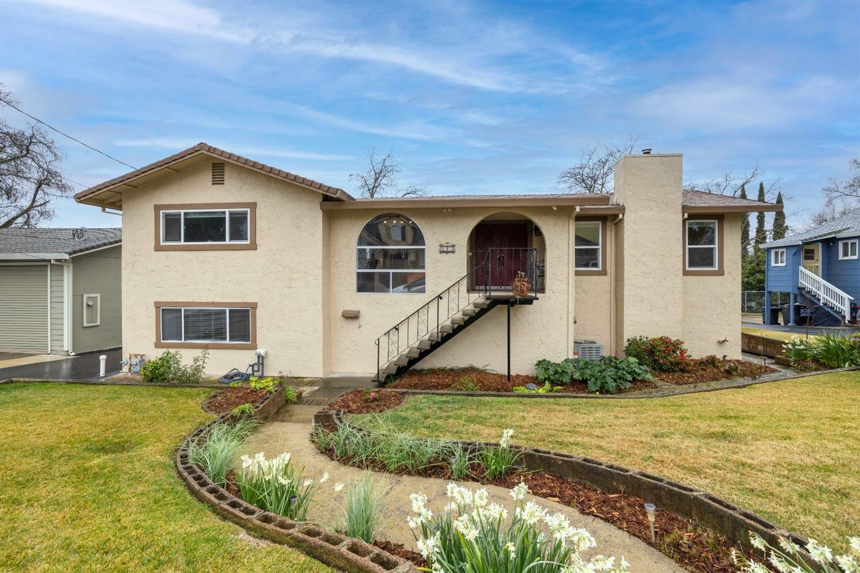 Photo of 815 Herbert Street, Roseville, CA 95678 (MLS # 221009866)