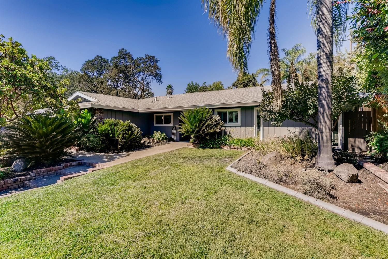 Photo of 4249 Brookhill Drive, Fair Oaks, CA 95628 (MLS # 221114869)