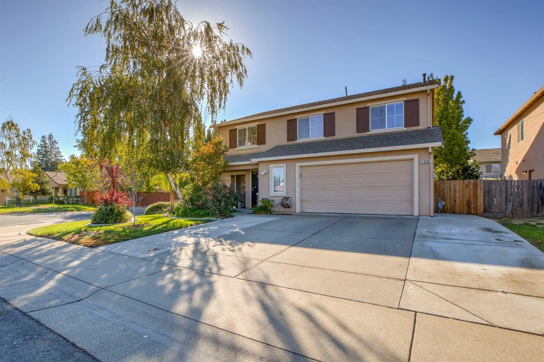Photo of 7804 Amherst Street, Sacramento, CA 95832 (MLS # 20063870)