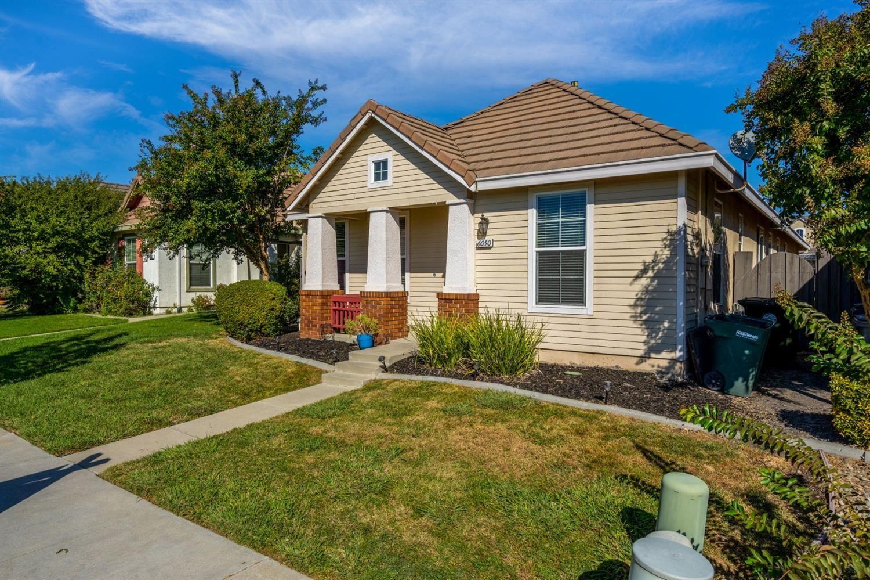 Photo of 6050 Bridgecross Drive, Sacramento, CA 95835 (MLS # 20062876)