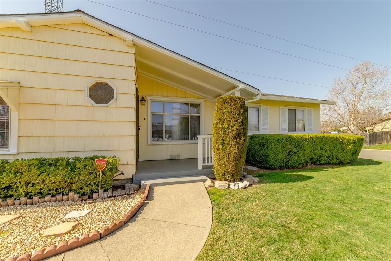 Photo of 2045 Middleberry Road, Sacramento, CA 95815 (MLS # 221014877)