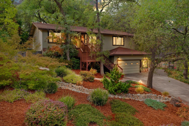 2558 Crown Drive, El Dorado Hills, CA 95762 - MLS#: 221122879