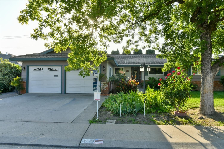 3701 Poinsettia Drive, Modesto, CA 95356 - MLS#: 221090890