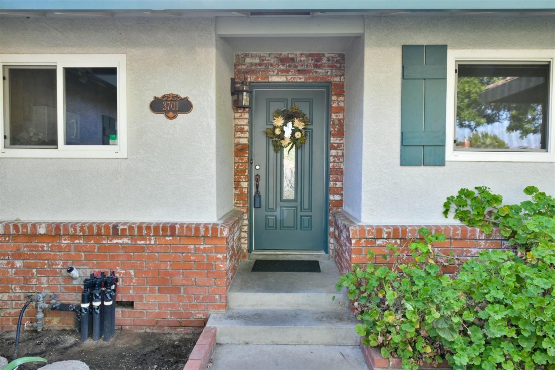 Photo of 3701 Poinsettia Drive, Modesto, CA 95356 (MLS # 221090890)