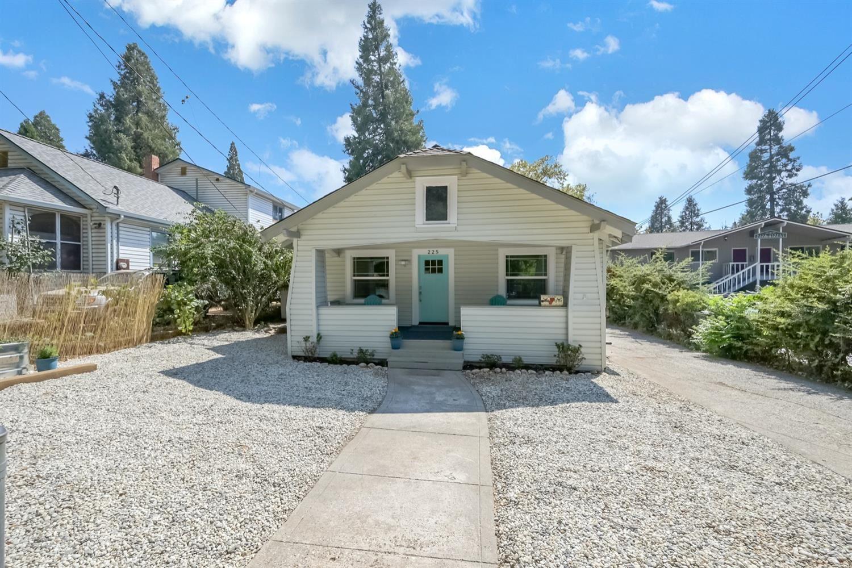 225 Bank Street, Grass Valley, CA 95945 - MLS#: 221108891