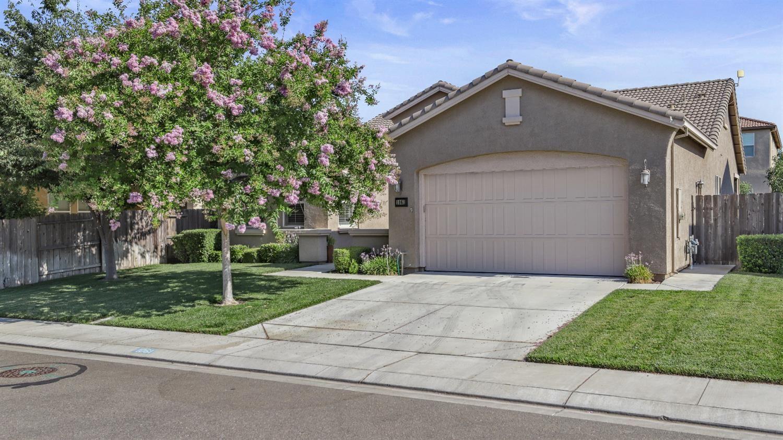 1061 Hickory Hollow Street, Manteca, CA 95336 - MLS#: 221092901
