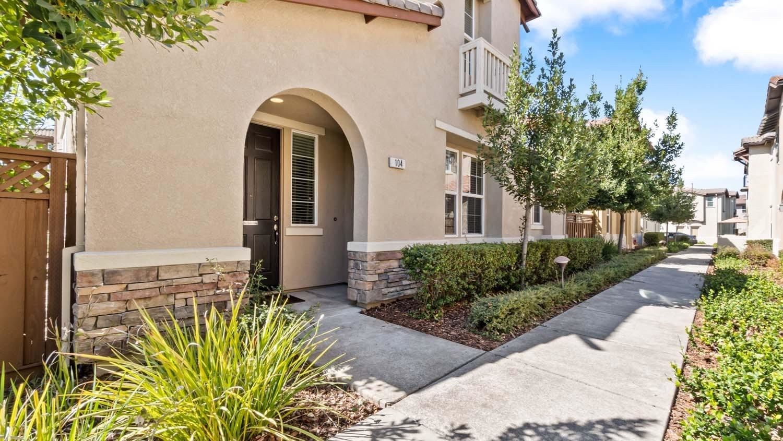 Photo of 104 Barnhill Drive, Folsom, CA 95630 (MLS # 221110901)